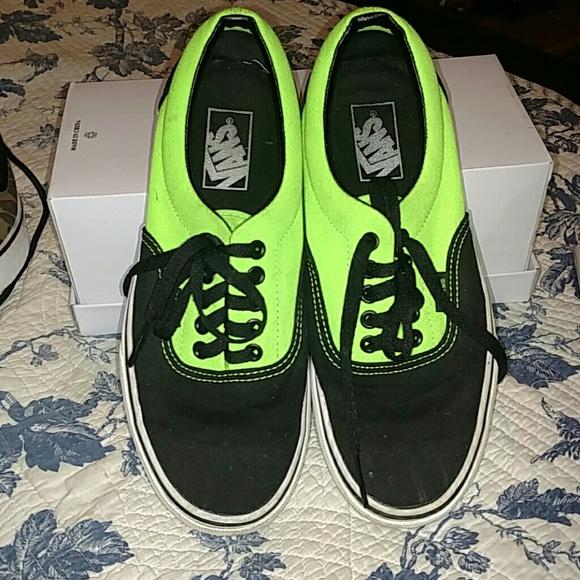 d400e091d7 VANS neon green lime   black canvas tennis shoes m.  M 5a9df7573316278a5cb6d030